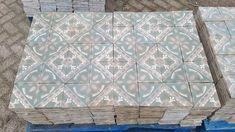 Oude tegels geven net dat extra tintje karakter aan elke ruimte. Bij FLOORZ kun je de allergrootste collectie van Europa vinden. Net, Europe