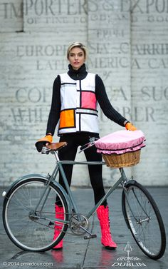 Now this is my kind of reflective vest for biking! GinD Style White&Pink, Pink Leggits, Orange And Cuffs Bike Style, Lady Biker, Waterproof Fabric, Rain Wear, Georgia, Stylish, Wheels, Bicycling, D1