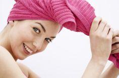Pour avoir des cheveux en forme, il faut en prendre soin quotidiennement. Vous ne pourrez plus vous passer de ces masques, faciles à concocter et super efficaces.