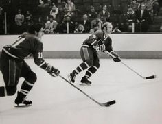 Norm Beaudin and Bobby Hull, 1973 All Star game! Bobby Hull, Who Plays It, Vancouver Canucks, Hockey Teams, Calgary, All Star, The Incredibles, Jets, World