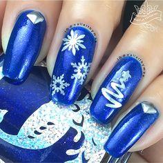 Snow Flakes NailVinyl from @whatsupnails
