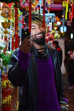 """So you want selfies that give you that """"I Woke Up Like This"""" look?   Beyonce's longtime stylist and Austin native, Ty Hunter, has the answer. His new LED smartphone case called the TyLite, which lights up with three settings: cool, warm and brilliant for selfies, videos, SnapChat, FaceTime, etc.   Celebs from Kerry Washington to Alicia Keys have been photographed using it."""