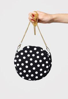 Bucket Bag, Handbags, Fashion, Moda, Pouch Bag, Hand Bags, Fasion, Bags, Trendy Fashion