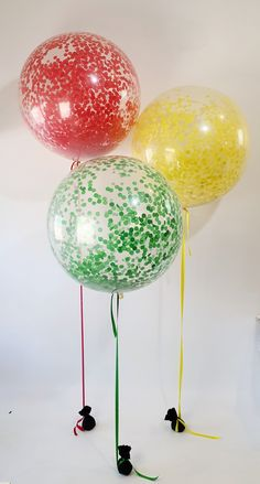 Paper confetti colour at its best Clear Balloons, Confetti Balloons, Paper Confetti, Glitz And Glam, Event Planning, Tassels, Tulle, Colour, Tutu