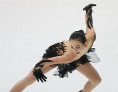 浅田真央と高橋大輔で風神雷神?ポージングしている二人を並べてみるとカッコいいと話題に | フィギュアスケートまとめ零