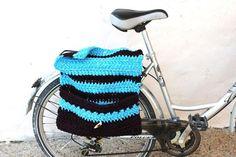 Alforja de crochet para bicicleta convertible en por Crocheclette