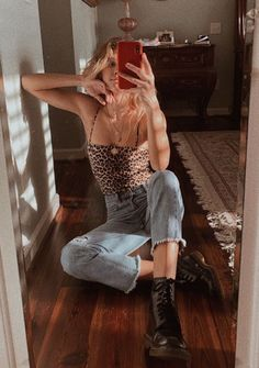 - sarah💦 Glam Rock, Trendy Outfits, Spring Outfits, Summer Wardrobe, School Outfits, Parisians, Grunge, Doc Martens Outfit, Mirror Mirror