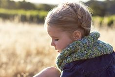 Easy Peasy V-Stitch #Crochet Cowl free pattern from Mon Petit Four