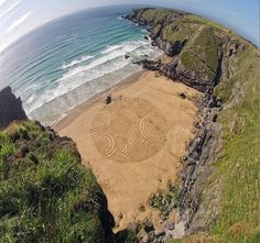 Incredible sand drawings by UK-based Tony Plant