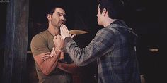 So funny!{gif} Teen wolf!