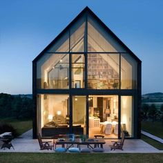 Discover the Best Latest Glass House Designs Ideas at The Architecture Design. Visit for more images and ideas about Glass House Designs Ideas. Modern Barn, Modern Farmhouse, Exterior Design, Future House, Interior Architecture, Beautiful Architecture, Movement Architecture, House Architecture Styles, Modern Architecture Design