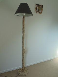 lampadaire bois flotté - création unique : Luminaires par un-jour-de-pluie72
