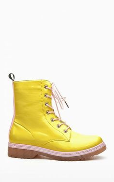 Botki glany Bukie yellow Dr. Martens, Combat Boots, Shopping, Shoes, Fashion, Moda, Combat Boot, Zapatos, Shoes Outlet