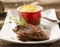 Fasanenbrust mit Sauerkrautauflauf Dessert Table, Steak, Desserts, Food, Butter, Cooking, Whipped Cream, Potatoes, Pheasant