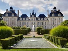 Visit the Château de Cheverny, private castle which has been the property of the Hurault family for over 700 years.