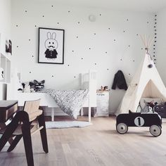 Monochrome Bedroom Tour - Chalk Kids