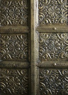brass indian cabinet door detail - photo by Decorative Accessories, Decorative Boxes, Indian Doors, Door Detail, Indian Furniture, Eclectic Style, Cabinet Doors, Wood Carving, Simple Designs