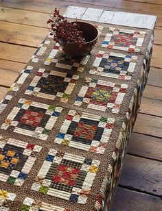 This patchwork quilts is unquestionably a powerful design technique. Scrappy Quilt Patterns, Scrappy Quilts, Mini Quilts, Patchwork Quilting, Quilt Stitching, Strip Quilts, Quilt Blocks, Quilt Kits, History Of Quilting