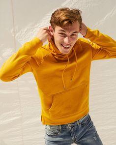 Kit Butler & Geron McKinley Brush Up on Express Fall Style (The Fashionisto) Kit Butler, Mens Sweatshirts, Hoodies, Fashion Brand, Mens Fashion, Casual Outfits, Men Casual, The Fashionisto, Yellow Hoodie