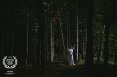 Award-winning wedding picture - Wedaward - bride and groom in the forest - Zephyr & Luna photograhy