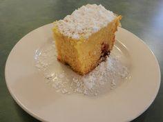 A Busy Mom's Slow Cooker Adventures: Raspberry Lemon Cake