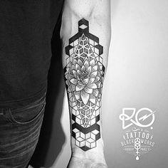 Rezultate imazhesh për lotus flower tattoo