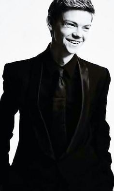 thomas sangster smiling - Google 검색