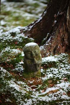 Jizo statue of Sanzen-in, Kyoto, Japan Hey, this beats the heck out of a gnome of any kind. Has some significance to someone also. Japanese House, Japanese Art, Japanese Gardens, Japan Garden, Buddhist Philosophy, Japan Travel, Japan Trip, Japanese Beauty, Japanese Culture