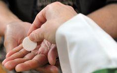 CRUX | Mathew N. Schmalz: Communion in the hand vs. Communion on the tongue