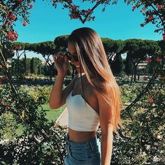 Fashion spring photoshoot hair 20 new ideas Artsy Photos, Cute Photos, Cute Pictures, Photography Poses, Amazing Photography, Only Shorts, Insta Photo Ideas, Inspiration Mode, Summer Pictures