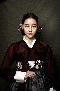 한복 hanbok, Korean traditional clothes(j) Korean Traditional Clothes, Traditional Fashion, Traditional Dresses, Korean Hanbok, Korean Dress, Korean Outfits, Korean Beauty, Asian Beauty, Mode Masculine