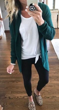 With these casual outfit ideas you will love the clothes in your closet again because sometimes you just need a little inspiration to recover your style. Mode Outfits, Fashion Outfits, Womens Fashion, Fashion Trends, Fashion Fashion, Work Fashion, Fall Fashion Women, Fashion Boots, Preteen Fashion