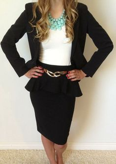 Pencil Skirt and statement necklace. I WANT THIS
