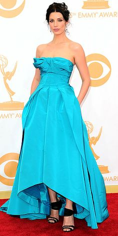 Emmys 2013 style photos; Zooey Deschanel Emmys 2013 jewelry : People.com