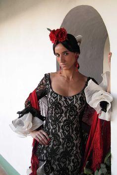 Susana Pagés. Sesión fotográfica. Colección: Del baúl de la abuela 2009.