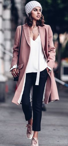 Pin by rosa li on fashion moda, moda inverno, roupas de inverno. Spring Outfit Women, Womens Fashion Casual Summer, Casual Fall Outfits, Spring Outfits, Trendy Fashion, Outfit Winter, Casual Shorts, 2017 Fashion Trends Outfit, Fashion Outfits