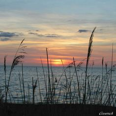 Outer Banks NC Local Artists Facebook post:  April Sunset.  Photographer credit: Groetsch.