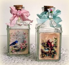 Decoupage on glass bottles - Photogallery Donnaclick Apothecary Bottles, Altered Bottles, Bottles And Jars, Glass Bottles, Perfume Bottles, Decoupage Glass, Decoupage Art, Decoupage Ideas, Bottle Painting