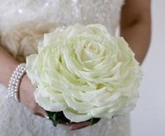 41. Bride and bridesmaid romantic carmen rose £120+