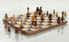 Échiquier et culbuto   #chess #design #game #echec #bois #wood