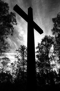 """""""For God so loved the world that he gave His only begotten Son. That whosoever believes in Him, will NOT perish, but have everlasting life, through Jesus Christ our Lord"""" ❤ Black And White Picture Wall, Black And White Pictures, Images Of Faith, Cross Pictures, Old Rugged Cross, Christian Wallpaper, Everlasting Life, Black And White Aesthetic, White Crosses"""