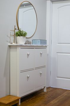 Ikea Hemnes shoe cabinet hack marble contact paper and new knobs - The Home I Cr. - Ikea DIY - The best IKEA hacks all in one place Bedroom Storage Boxes, Ikea Storage, Living Room Storage, Storage Ideas, Wall Storage, Hidden Storage, Ikea Hemnes Shoe Cabinet, Ikea Drawers, Shoe Cabinet Entryway
