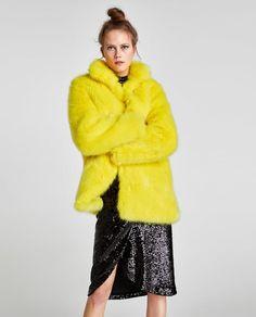 New Zara Yellow Faux Fur Coat Jacket - S women's Jackets. Fashion is a popular style Faux Fur Collar, Faux Fur Jacket, Fur Coat, Monochrome, Faux Fur Material, Outerwear Women, Zara Women, Boho Tops, Style