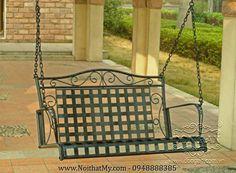 Không gian lý tưởng nhất cho chiếc xích đu tung hoành là một góc nhỏ trong khu vườn nhà bạn. Nếu nhà bạn chưa có sân vườn thì địa điểm lý tưởng tiếp đến là chễm chệ trên sân thượng, lấp ló nơi hàng hiên trước cửa hoặc thấp thoáng ngoài ban công. http://www.noithatmy.com/ngoai-that-my/xich-du-sat-my-thuat/xich-du-ngoai-troi-bang-sat-nghe-thuat.html