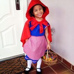 Little Red Riding Hood. Disfraz de Caperucita Roja. Valeria.