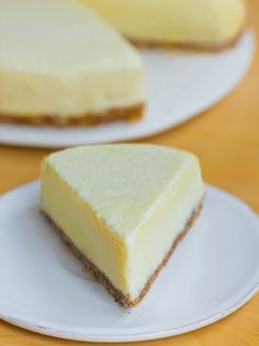 5 Minute Pineapple Fantasy Pie by Chocolate Covered Katie Beaux Desserts, No Bake Desserts, Just Desserts, Pineapple Pie Recipes, Baked Pineapple, Pineapple Coconut, Frozen Pineapple, Pineapple Cake, Crushed Pineapple