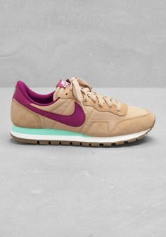 I'm not a tennis shoe fan at all but these I want. So cute. nike air pegasus