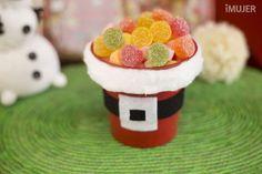 centrotavola natalizio dolce caramelle per bambini #centrotavola #natale #natalizi #tutorial #faidate #fai-da-te #fattoamano #decorazioni #addobbi #caramelle #bambini #babbonatale