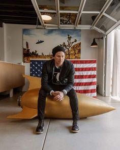Tom DeLonge defined pop-punk with Blink-182. He left stardom behind to study aliens. http://alien-ufo-sightings.com/2017/04/tom-delonge-defined-pop-punk-blink-182-left-stardom-behind-study-aliens/