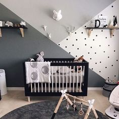 Accent Wall Ideas - An accent wall is needed within a boring room to give them some extraordinary touch. It can also break up a large room. Or, an accent wall can simply define a strong feature in the room. Baby Bedroom, Baby Boy Rooms, Baby Boy Nurseries, Bedroom Black, Baby Cribs, Baby Boy Bedroom Ideas, Room Baby, Bedroom Kids, Black White Nursery
